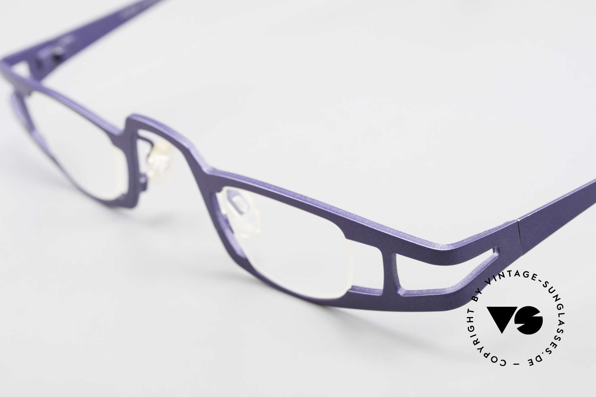 Theo Belgium Eye-Witness KO Pure Titanium Reading Specs, the fancy 'Eye-Witness' series was launched in May '95, Made for Women