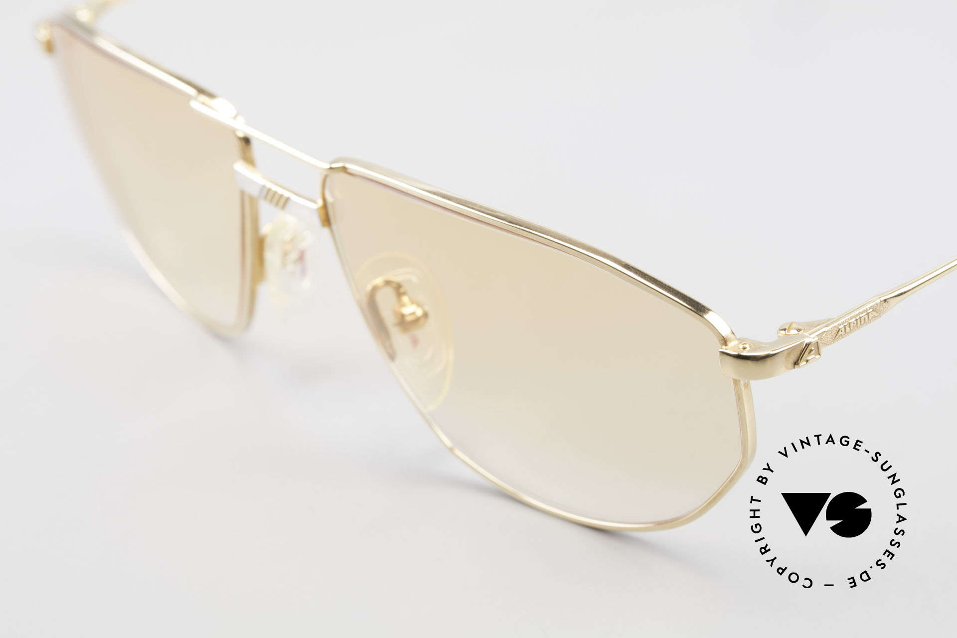 Alpina FM41 Stylish Vintage 80's Sunglasses, never worn (like all our rare vintage Alpina eyewear), Made for Men and Women