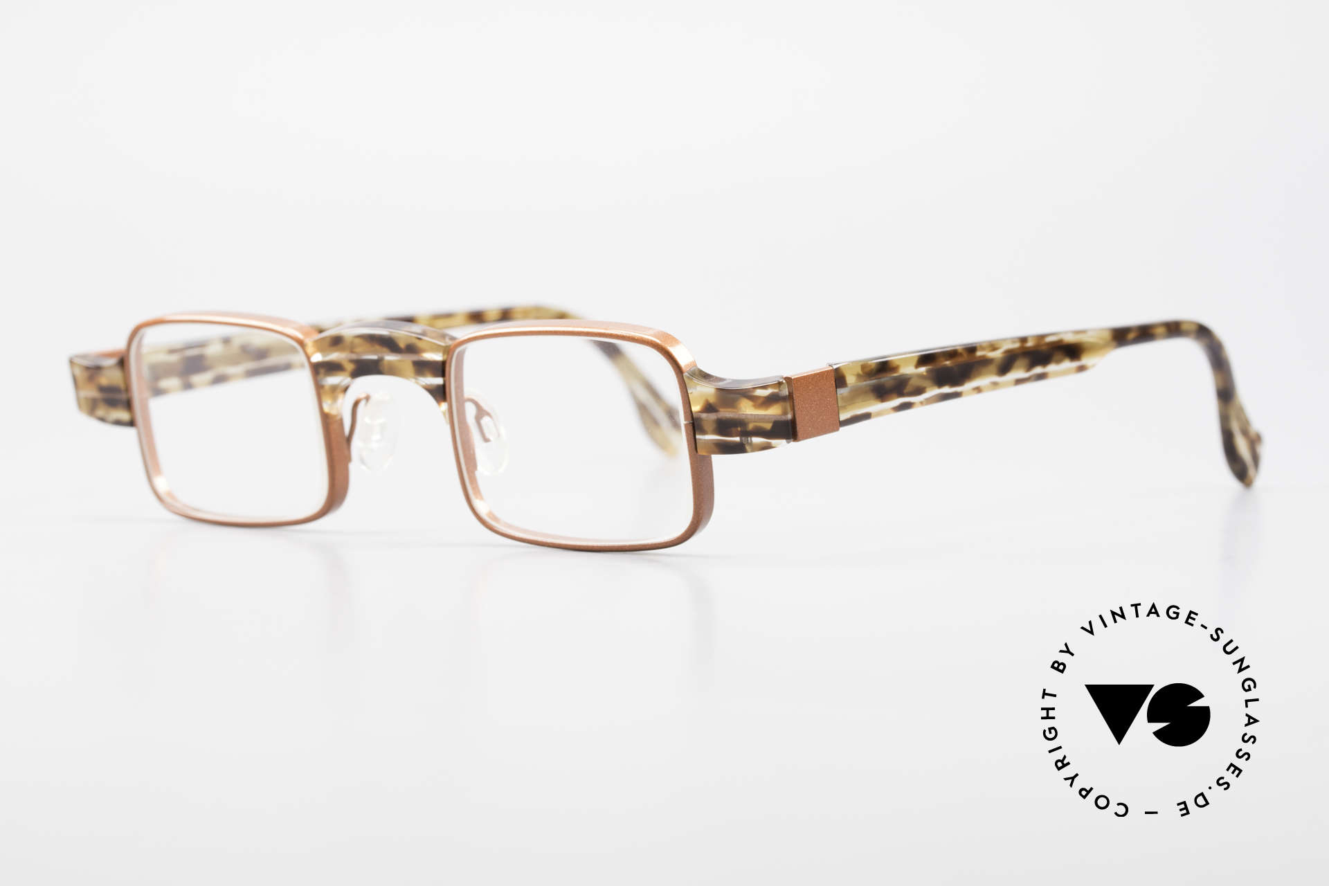 Theo Belgium Aphrodite Vintage Ladies Designer Specs, founded in 1989 as 'opposite pole' to the 'mainstream', Made for Women