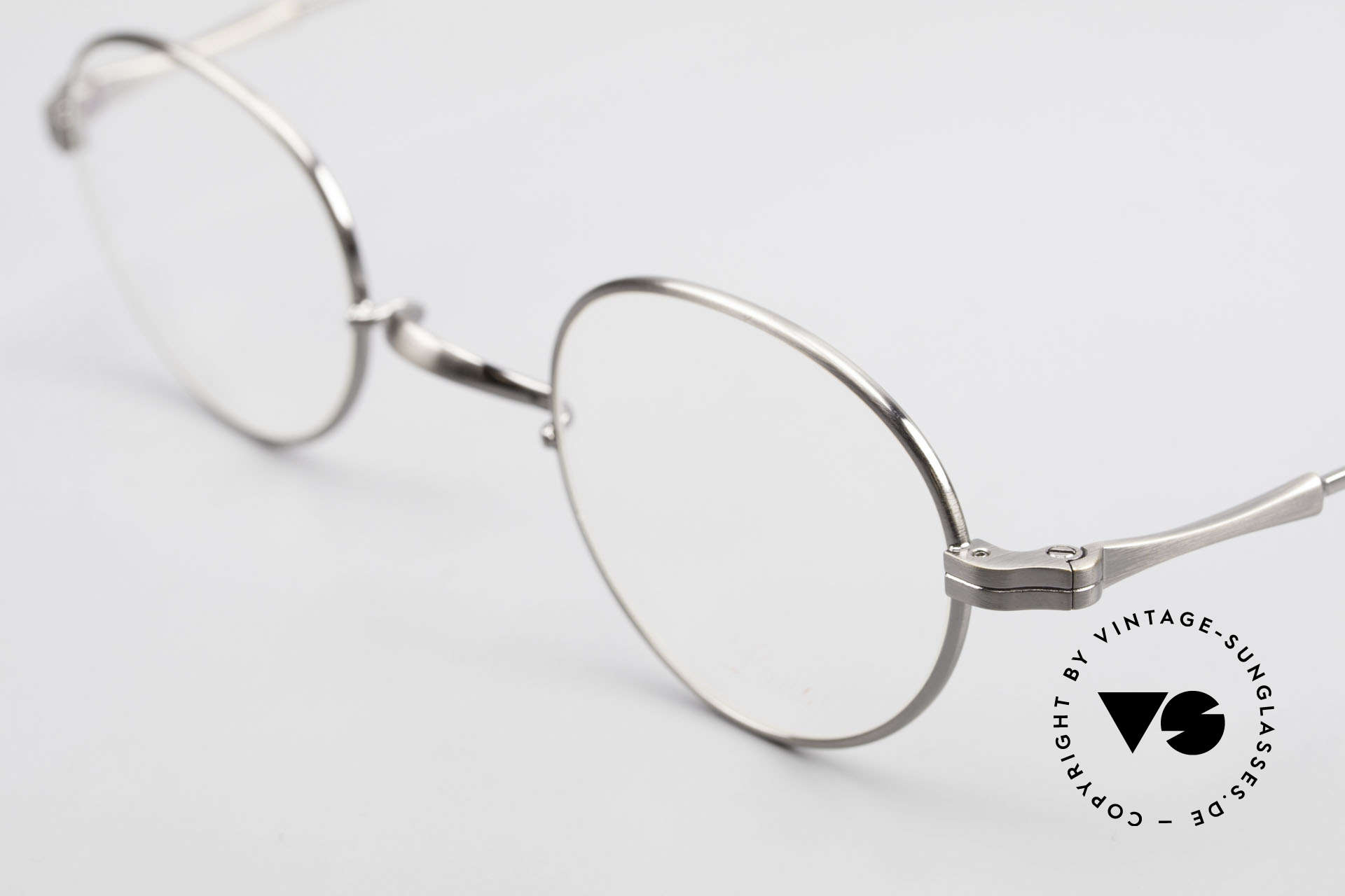 Lunor II 21 Metal Frame Anatomic Bridge, this is model II 21 in antique silver with anatomic bridge, Made for Men and Women