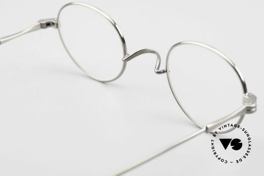 Lunor II 21 Metal Frame Anatomic Bridge, the precious Lunor eyeglass-frame can be glazed optionally, Made for Men and Women