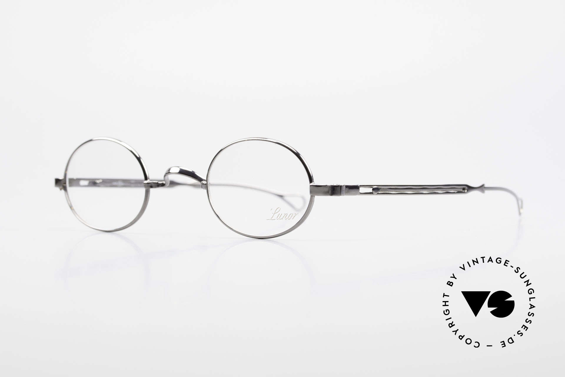 """Lunor I 22 Telescopic Oval Frame Extendable Arms, well-known for the """"W-bridge"""" & the plain frame designs, Made for Men and Women"""