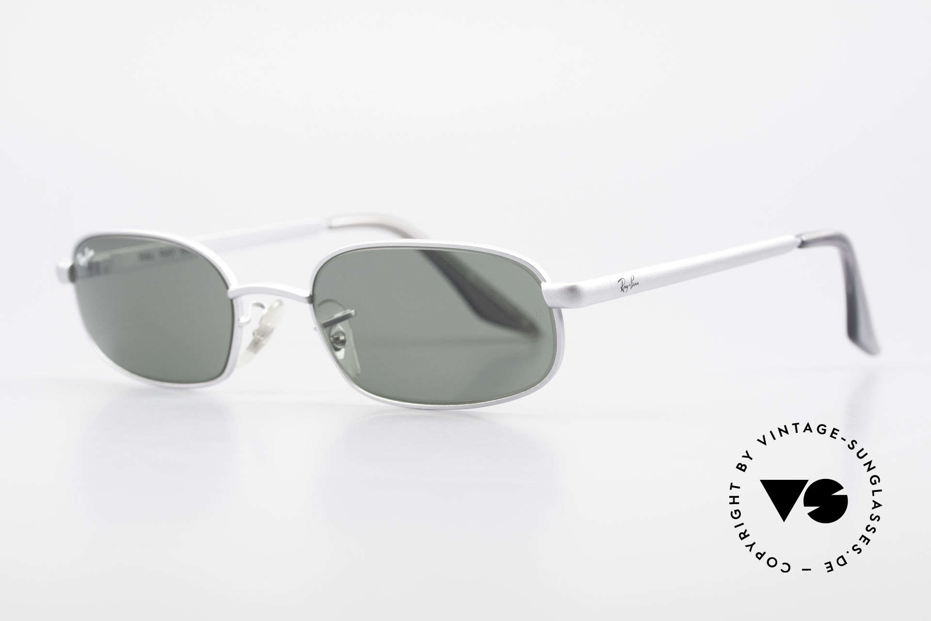 "Ray Ban Sidestreet Sidewalk Rectangle Ray Ban USA Shades, in 1999, B&L sold the brand ""RAY-BAN"" to Luxottica, Made for Men"