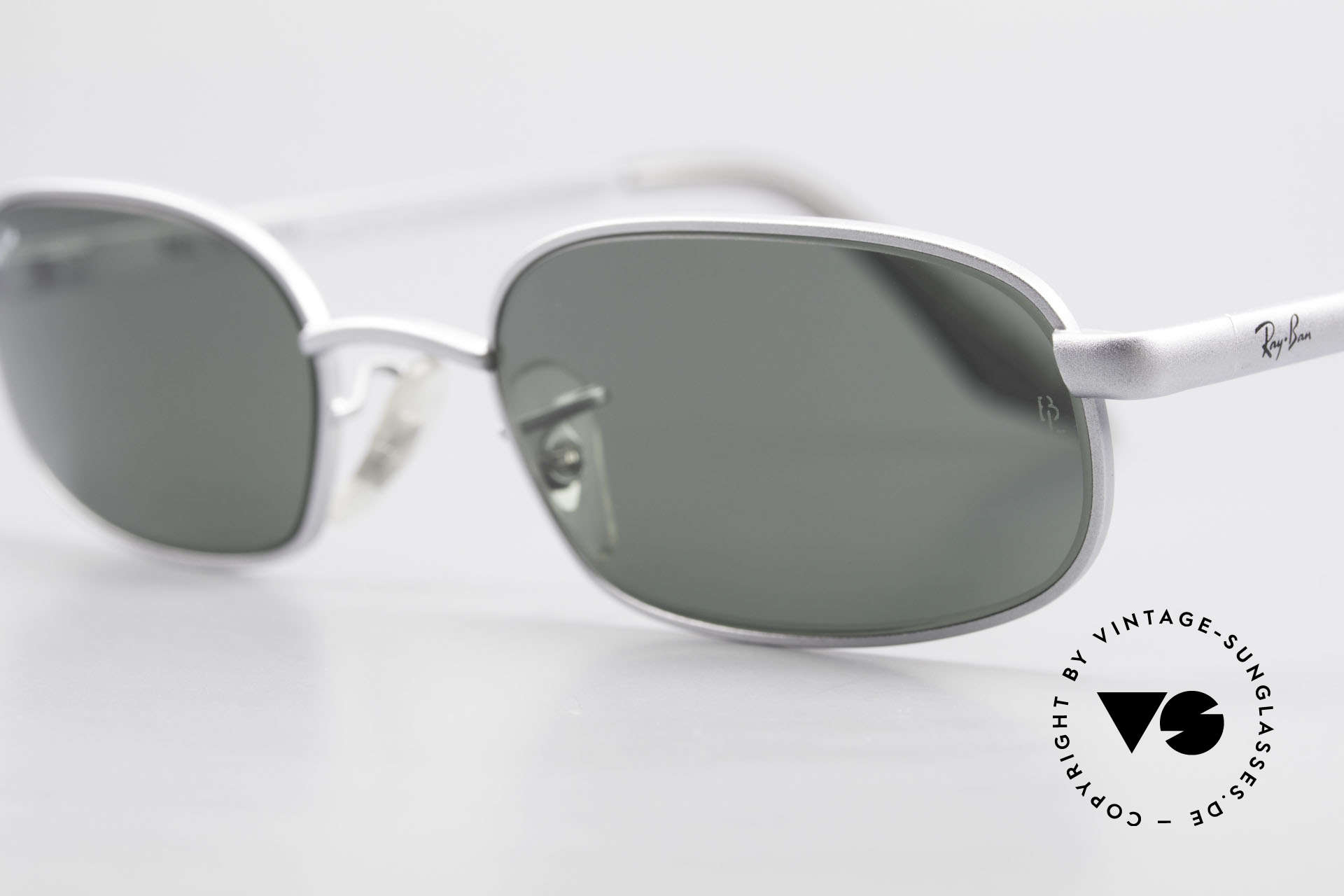 Ray Ban Sidestreet Sidewalk Rectangle Ray Ban USA Shades, very special shades, since a piece of economic history, Made for Men