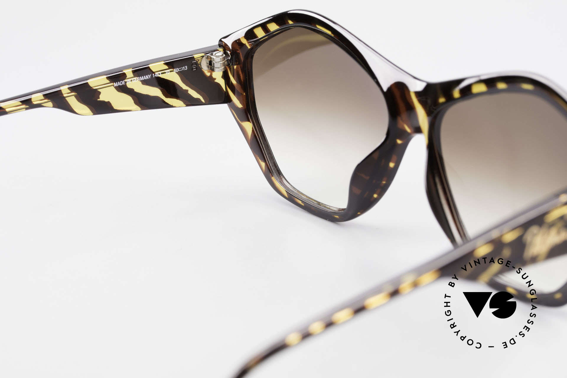 Paloma Picasso 1463 90's Optyl Sunglasses Ladies, of course never worn (as all our old 90's treasures), Made for Women