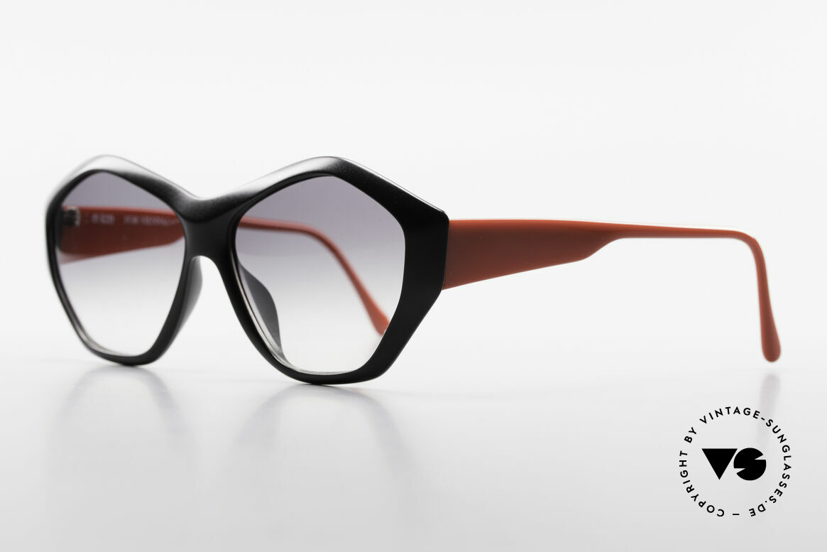 Paloma Picasso 1463 Ladies Sunglasses 90's Optyl, just another masterwork from Picasso's art school!, Made for Women
