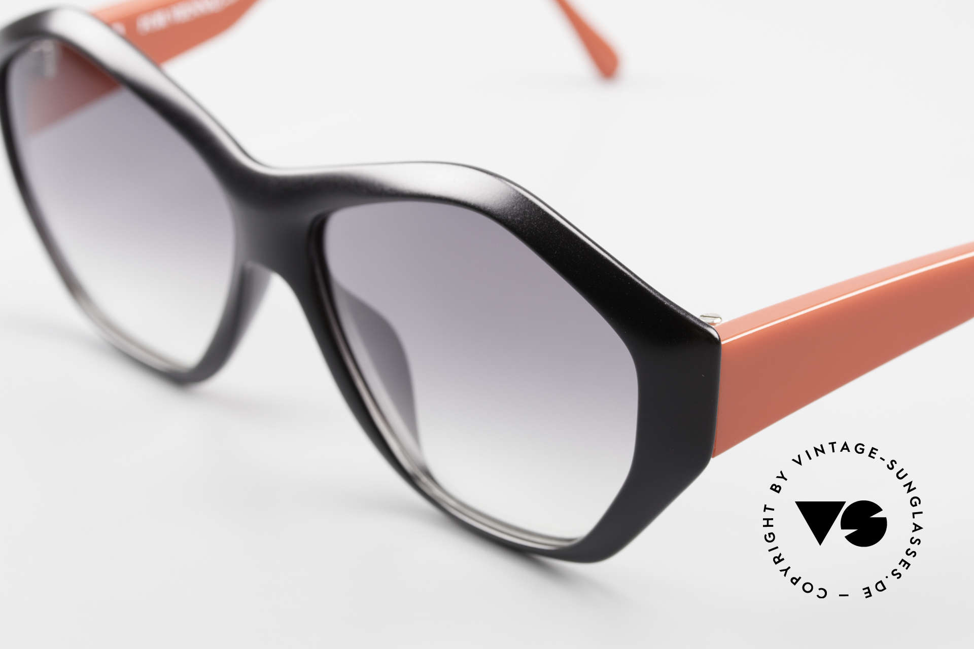 Paloma Picasso 1463 Ladies Sunglasses 90's Optyl, the incredible Optyl material does not seem to age, Made for Women