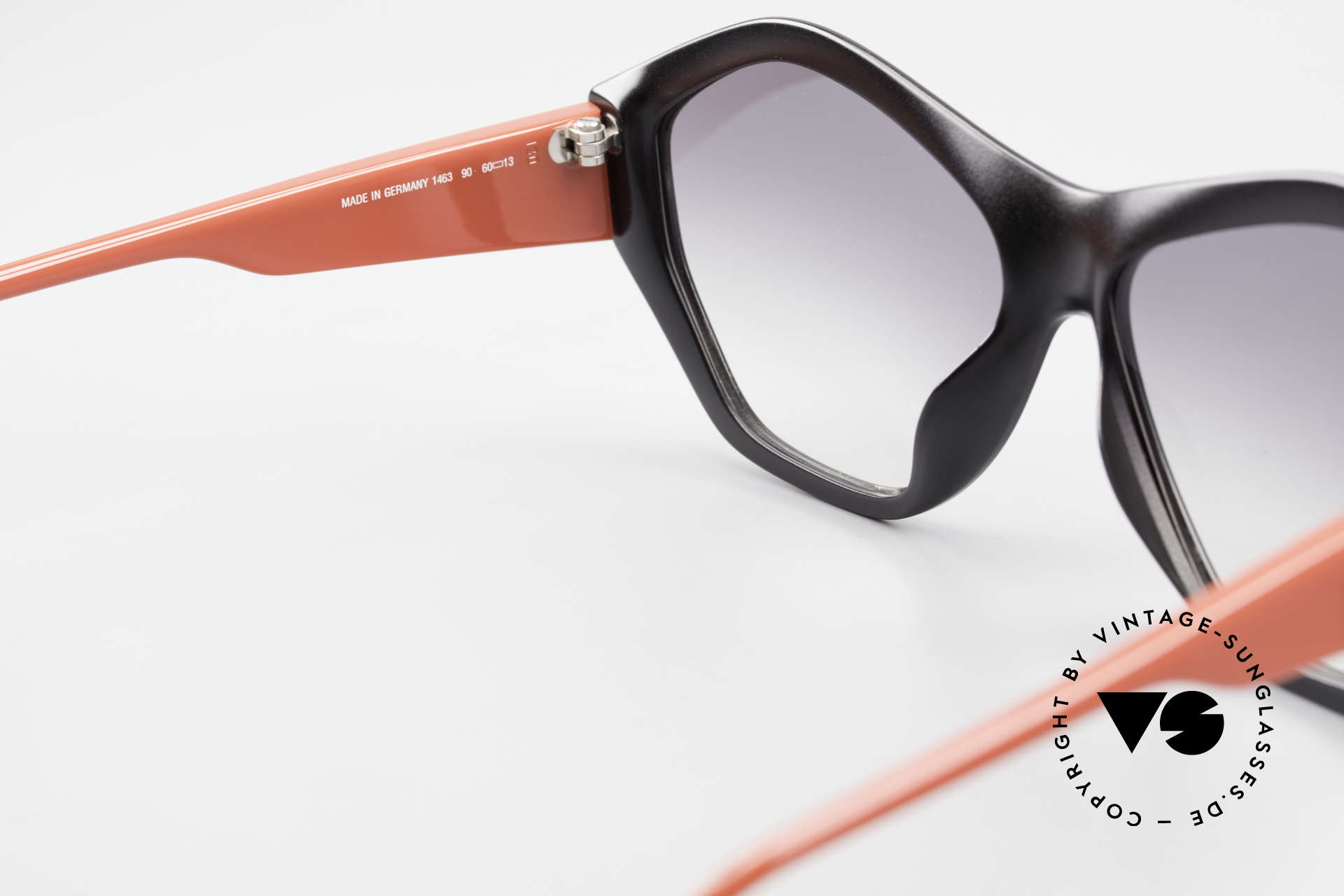 Paloma Picasso 1463 Ladies Sunglasses 90's Optyl, of course never worn (as all our old 90's treasures), Made for Women
