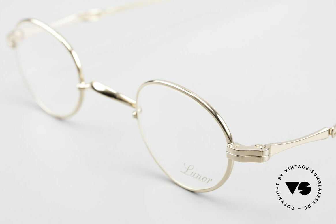 Lunor I 03 Telescopic Gold Plated With Slide Temples, as well as for the brilliant telescopic / extendable arms, Made for Men and Women