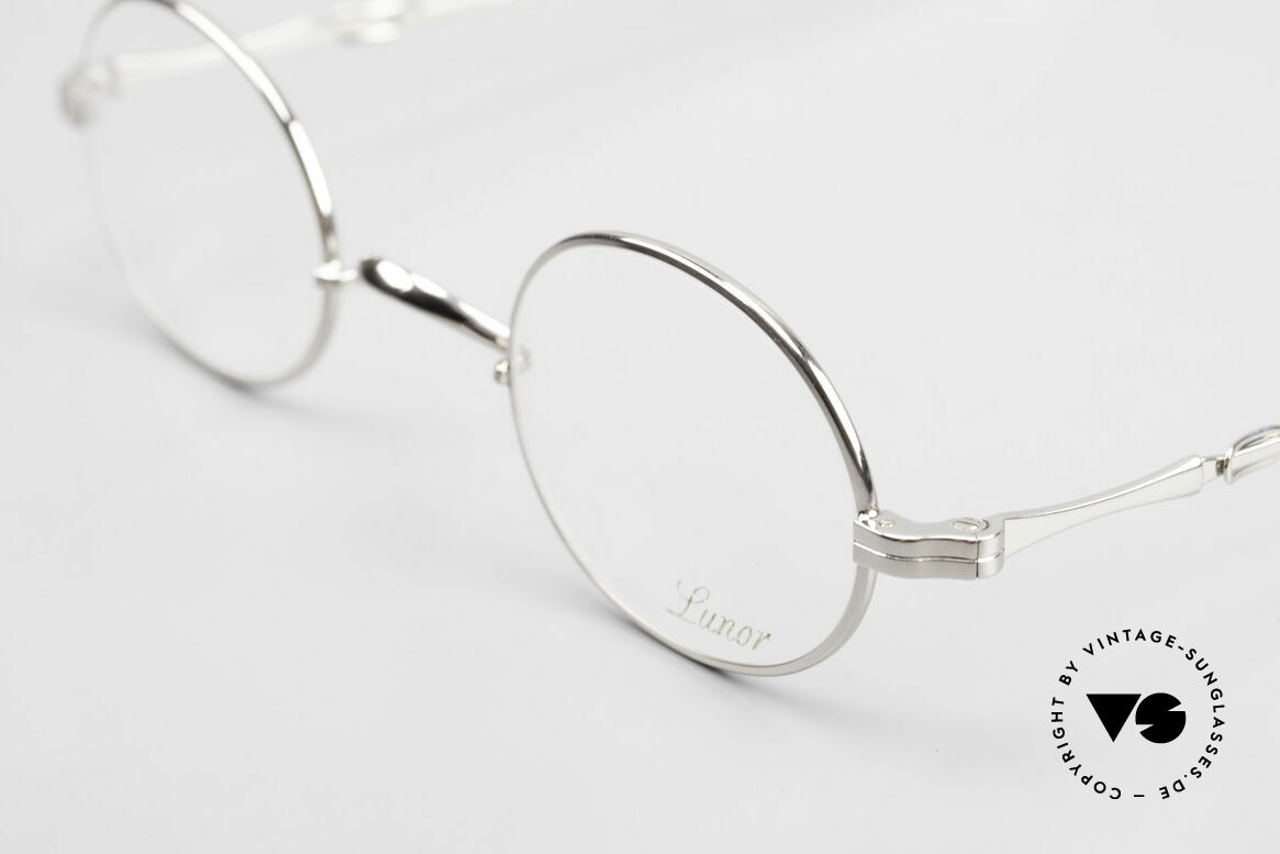 Lunor I 10 Telescopic Oval Eyeglasses Slide Temples, as well as for the brilliant telescopic / extendable arms, Made for Men and Women
