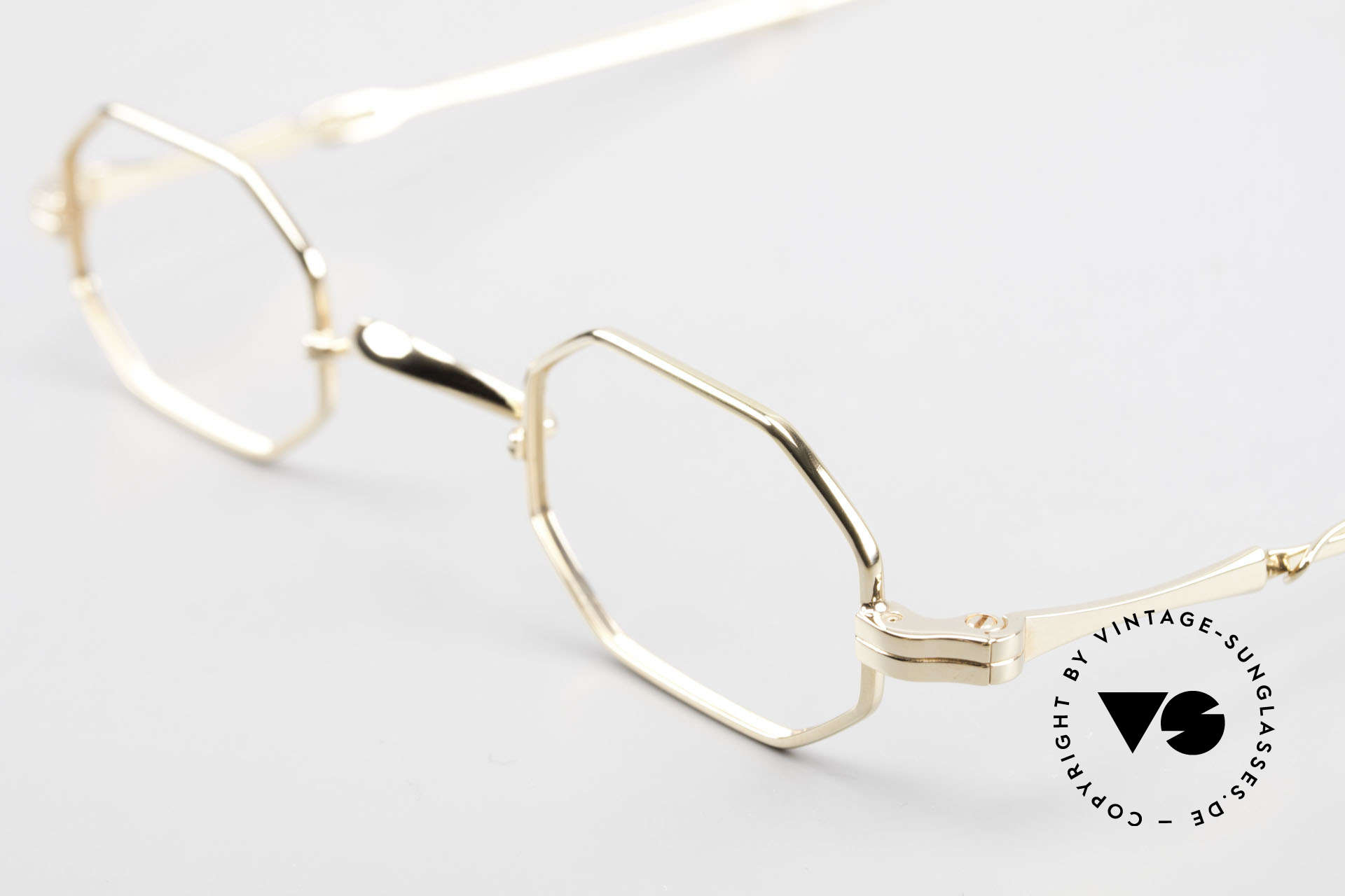 Lunor I 01 Telescopic Octagonal Frame Gold Plated, as well as for the brilliant telescopic / extendable arms, Made for Men and Women