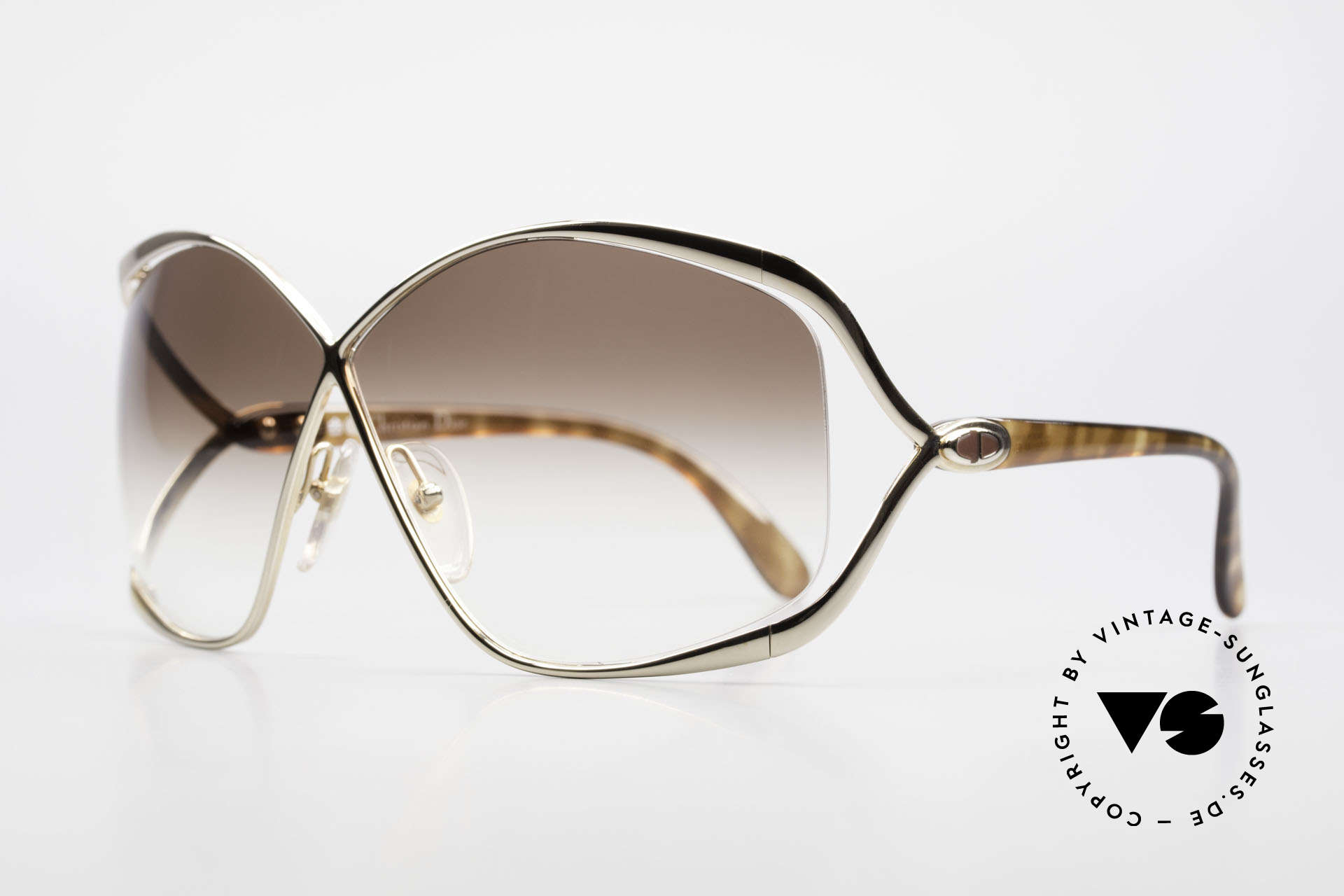 Christian Dior 2056 80's Butterfly Sunglasses, famous 'butterfly-design' with huge gradient lenses, Made for Women