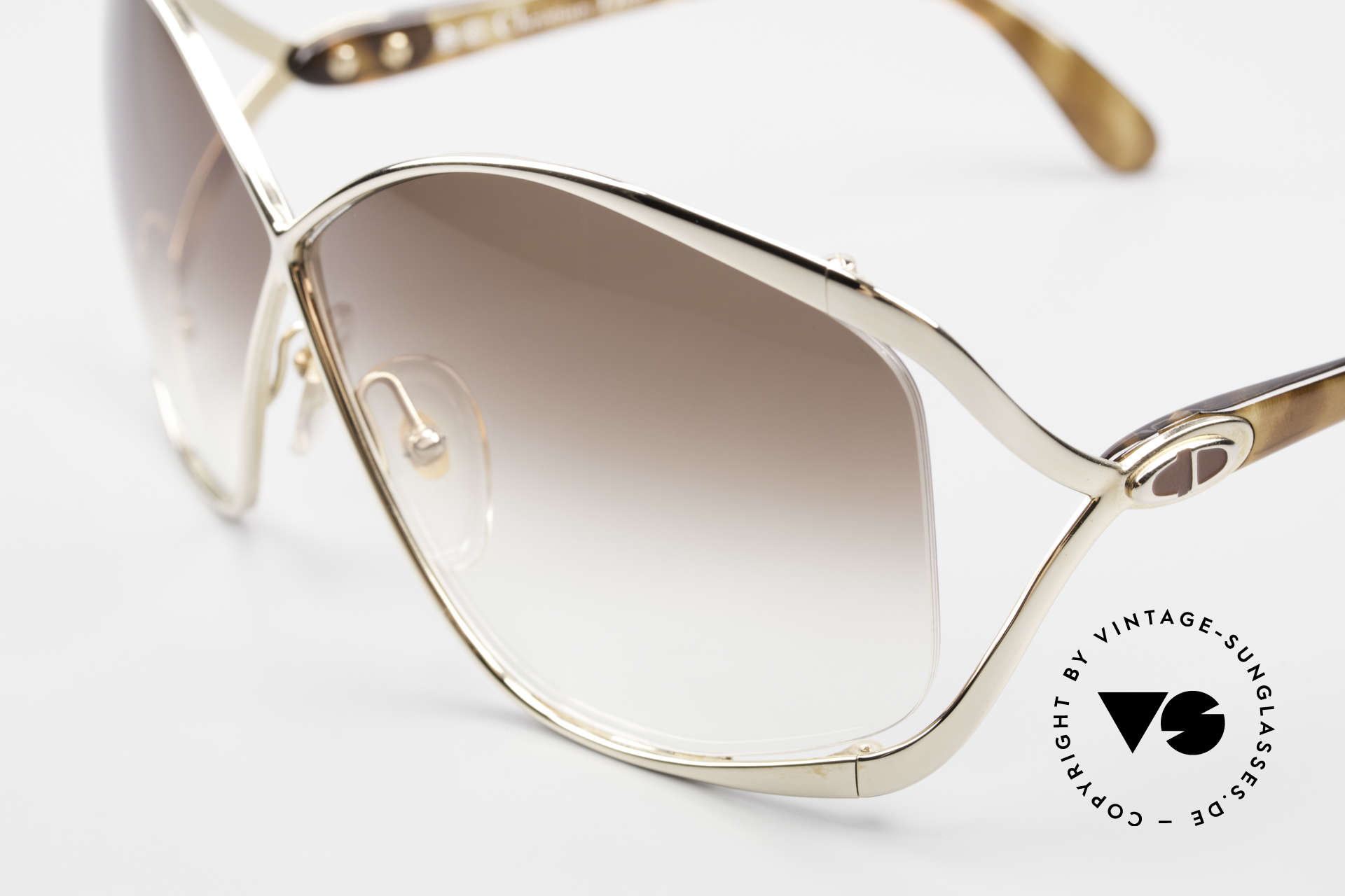 Christian Dior 2056 80's Butterfly Sunglasses, golden frame with brown-gradient lenses (100% UV), Made for Women
