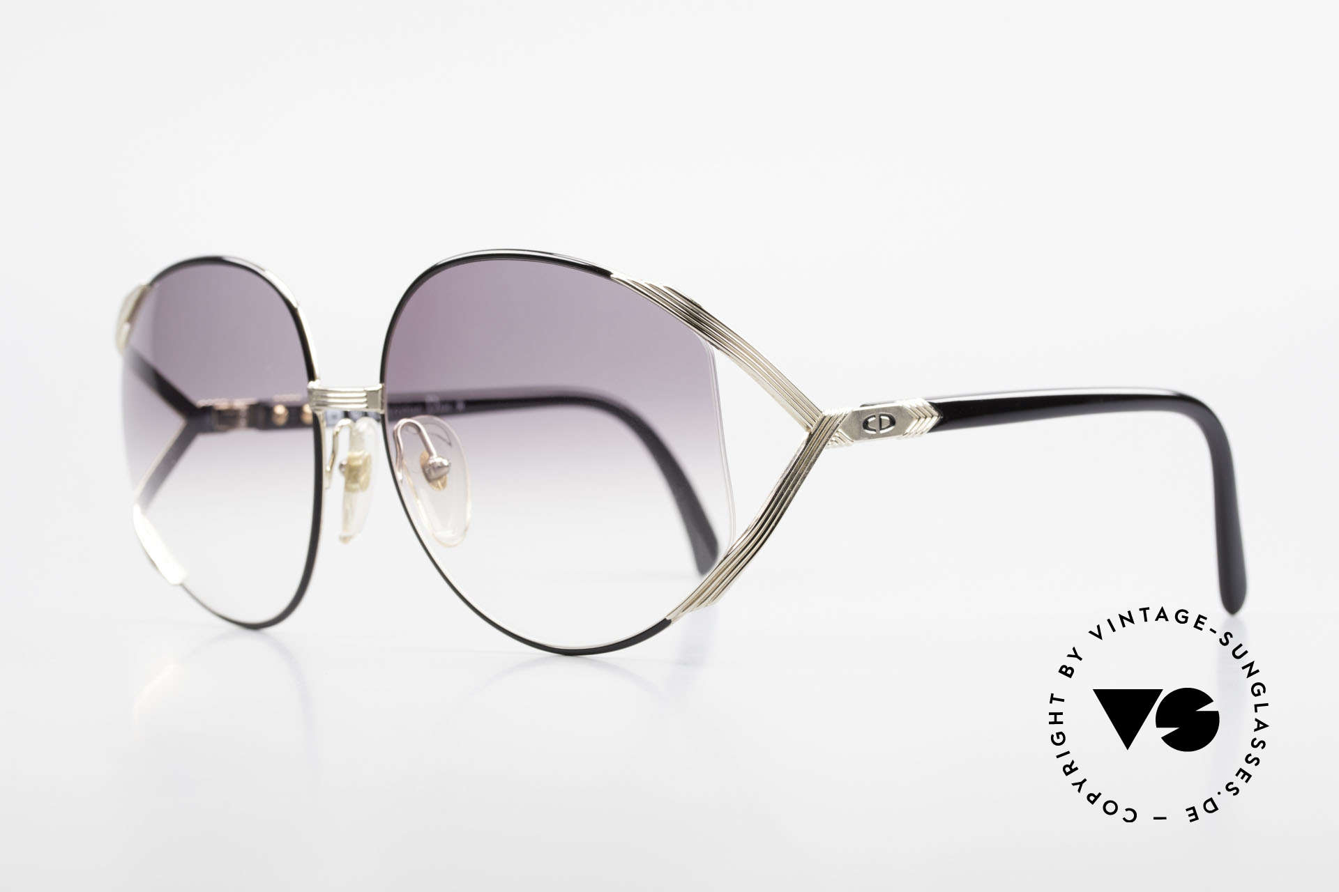 Christian Dior 2250 XL Oversized Shades 80's Ladies, precious 80's model with Dior case & 1 pair extra lenses, Made for Women