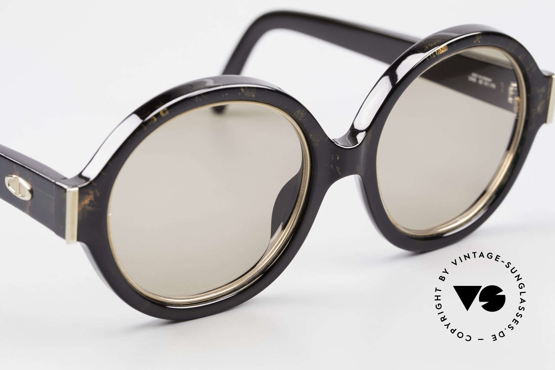 Christian Dior 2446 Round Ladies Sunglasses 80's, new old stock (like all our rare Christian Dior shades), Made for Women