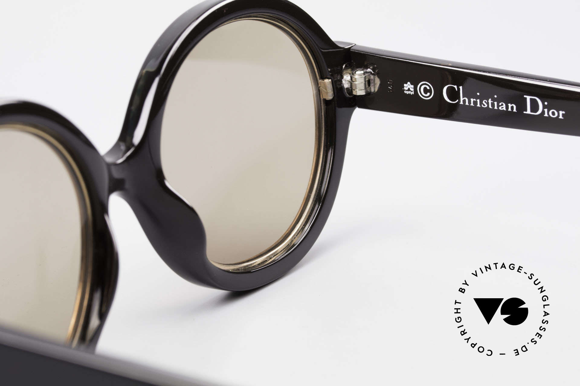 Christian Dior 2446 Round Ladies Sunglasses 80's, NO retro sunglasses, but an app. 35 years old unicum, Made for Women