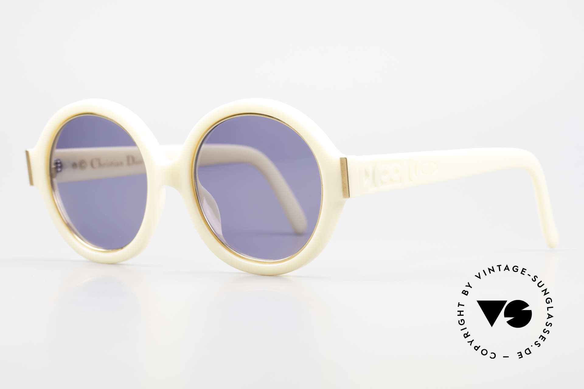 Christian Dior 2446 Round Ladies 80's Sunglasses, the incredible OPTYL material does not seem to age, Made for Women