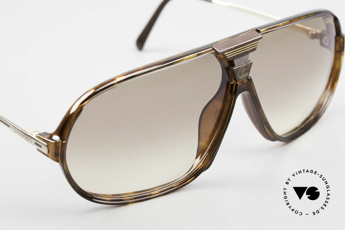 Carrera 5416 80's Shades Additional Lenses, a symbiosis of sport and fashionable lifestyle!, Made for Men