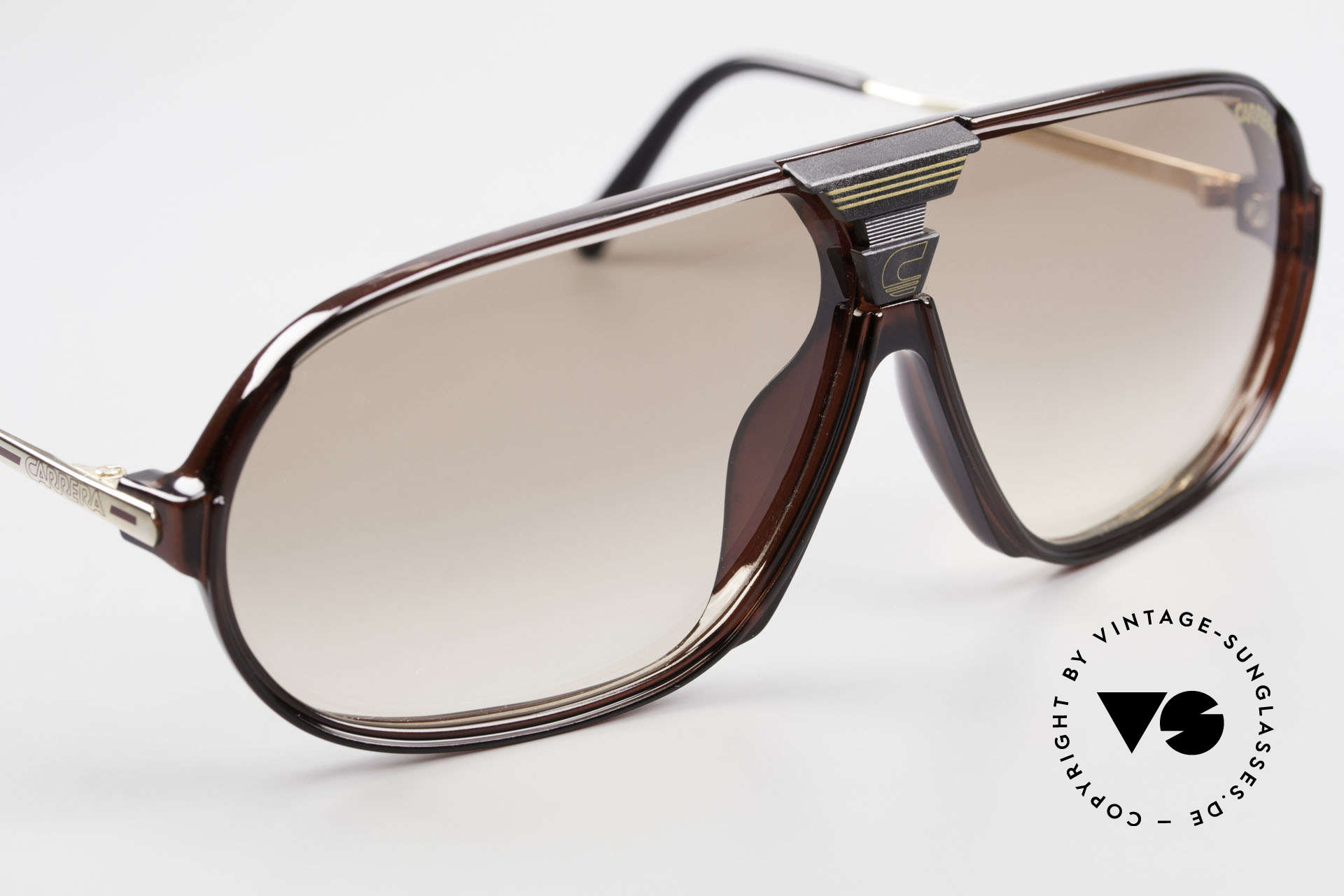 Carrera 5416 80's Interchangeable Lenses, a symbiosis of sport and fashionable lifestyle!, Made for Men