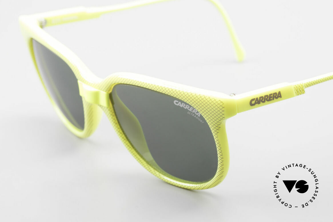 "Carrera 5426 80's Ladies Sports Sunglasses, extraordinary frame pattern with ""lattice effect"", Made for Women"