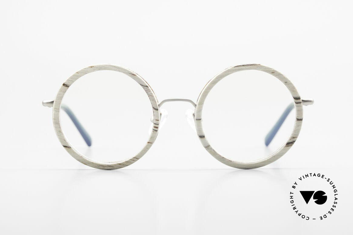 Kerbholz Rudolph Round Wood Frame White Birch, every model (made from pure wood) looks individual, Made for Men and Women