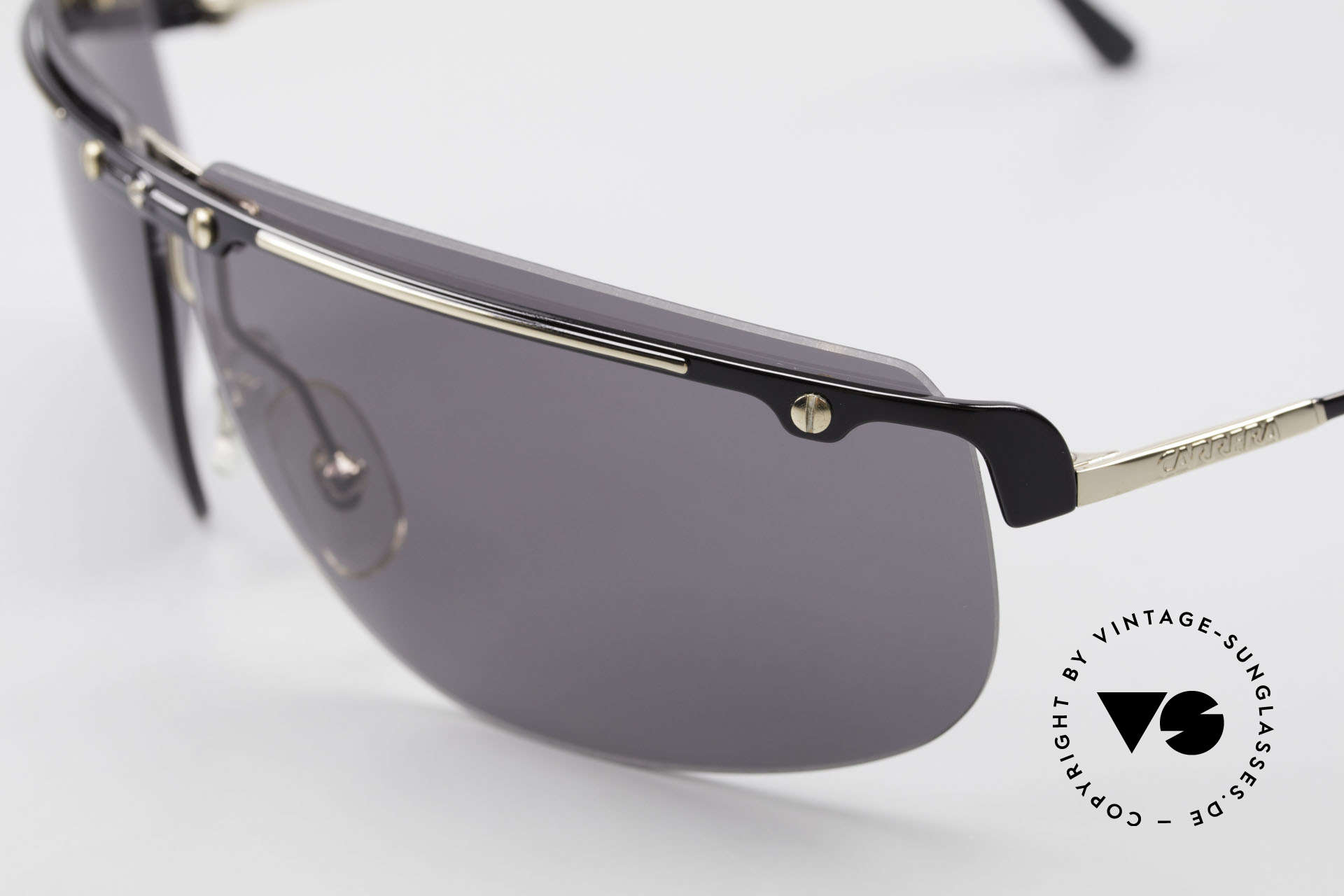 Carrera 5420 90s Wrap Around Sportsglasses, functional shades and a stylish accessory likewise, Made for Men