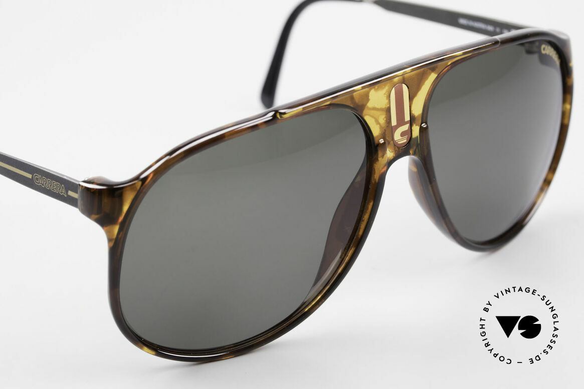Carrera 5424 80's Aviator Sports Sunglasses, dark green CR39 Carrera lenses, 100% UV protection, Made for Men