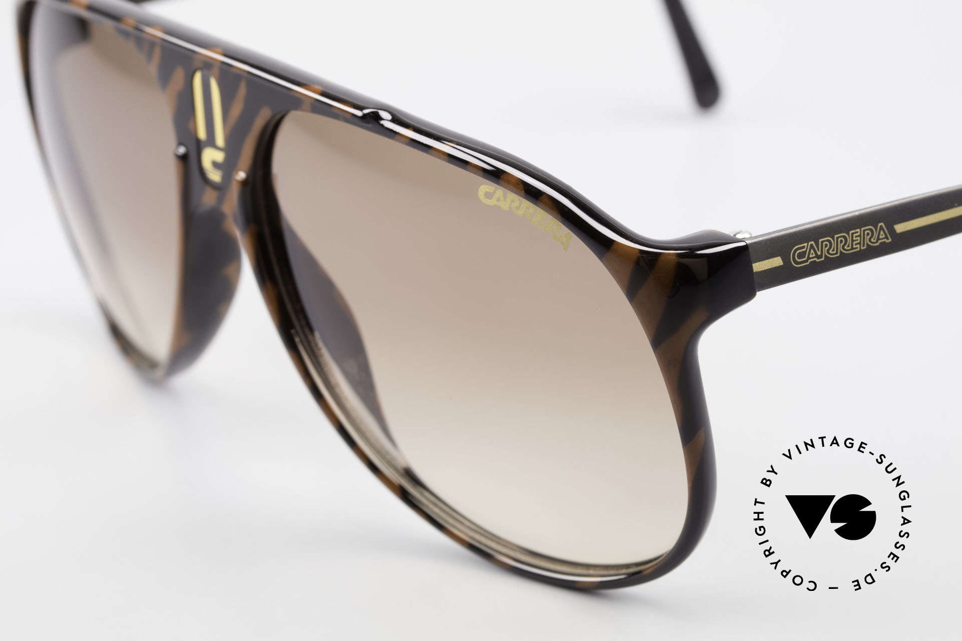 Carrera 5424 Aviator Sports Sunglasses 80's, functional shades and a stylish accessory likewise, Made for Men