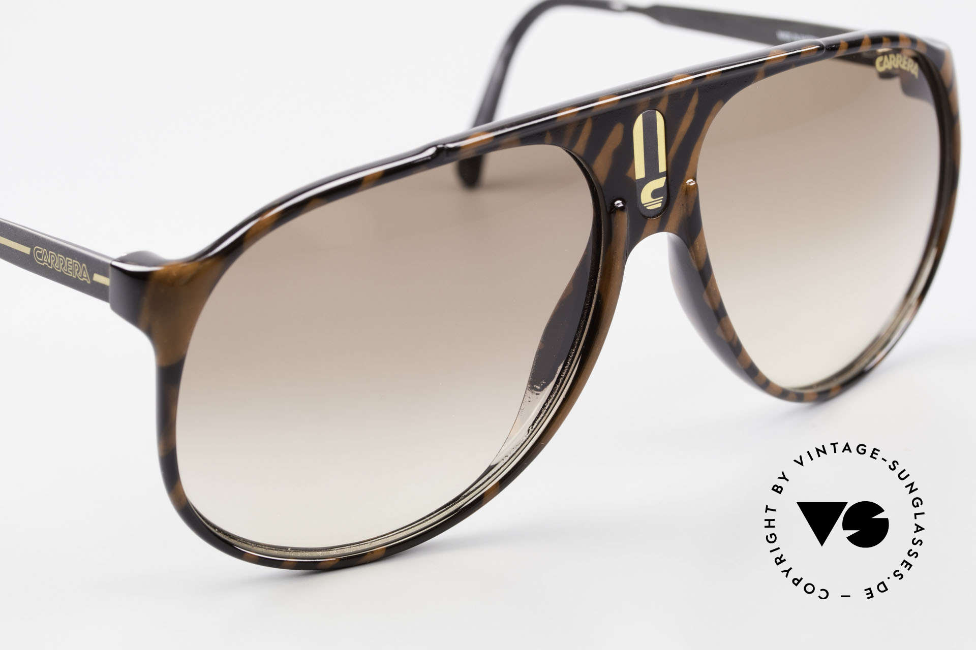 Carrera 5424 Aviator Sports Sunglasses 80's, brilliant pattern (like a kind of precious wood optic), Made for Men