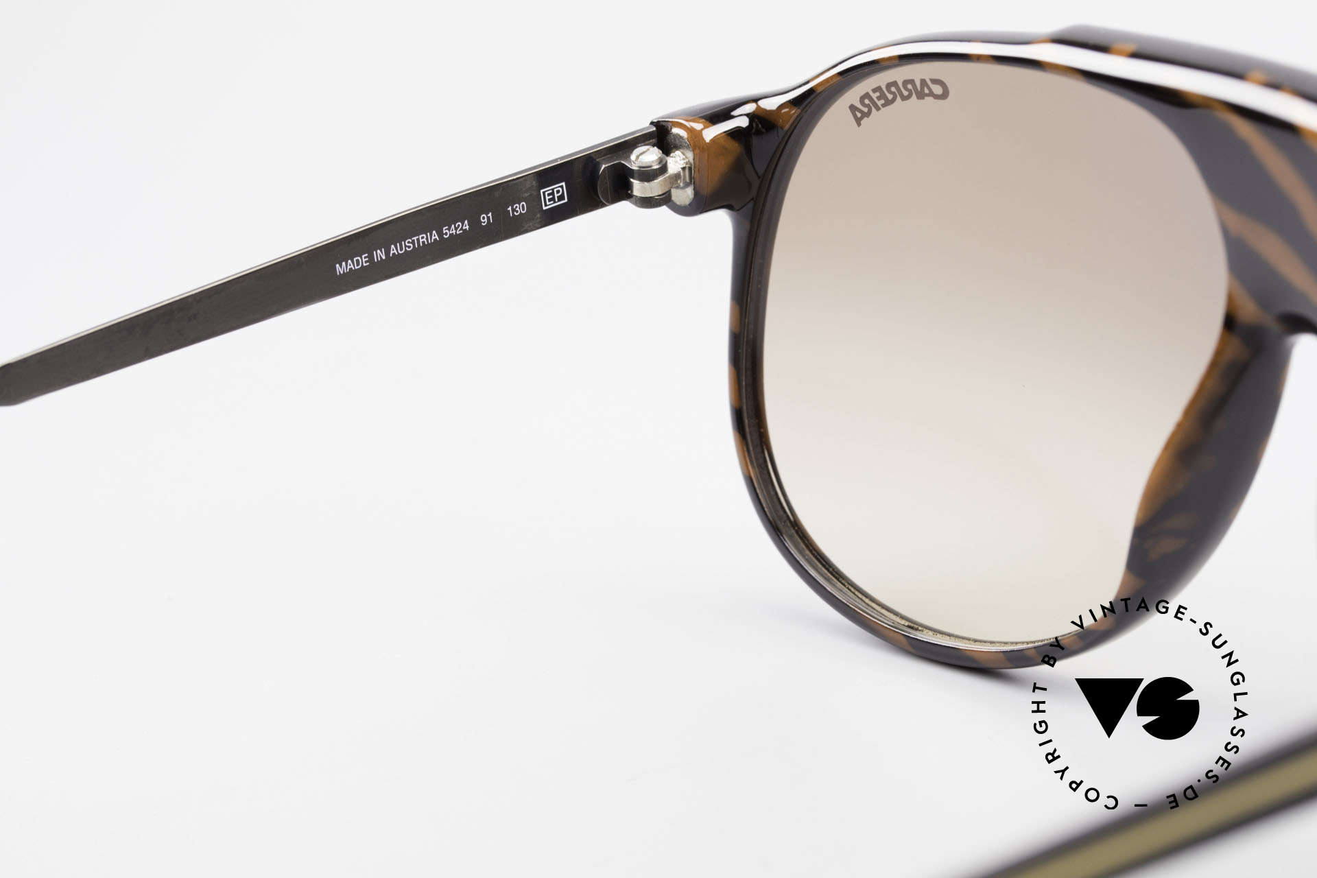 Carrera 5424 Aviator Sports Sunglasses 80's, new old stock (as all our vintage Carrera sunglasses), Made for Men