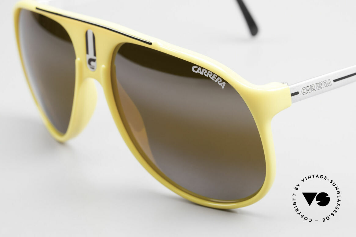 Carrera 5424 Rare Mirrored 80's Sunglasses, brown-mirrored sun lenses for 100% UV protection, Made for Men