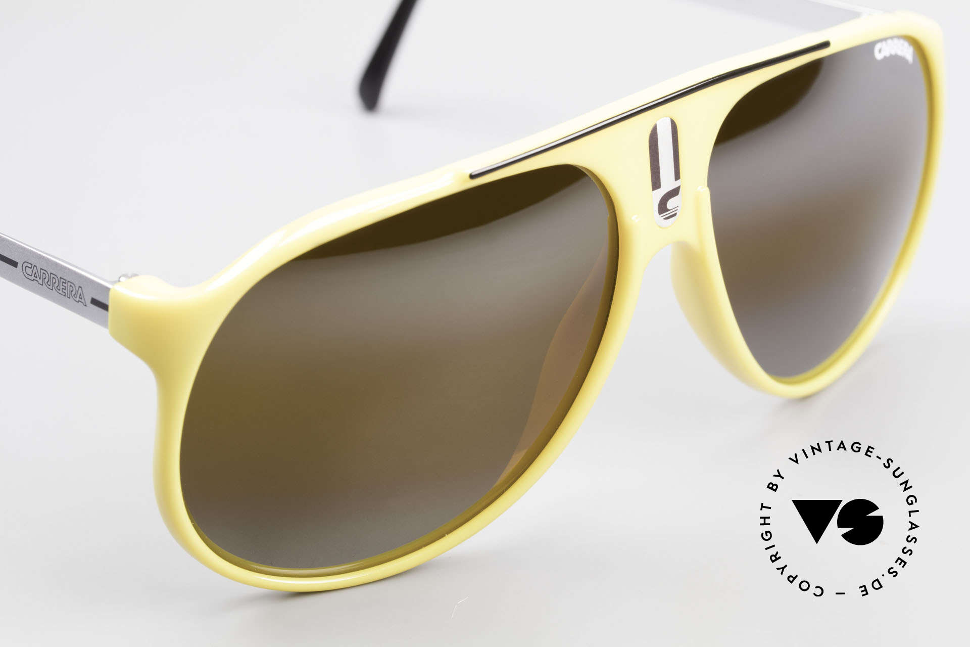 Carrera 5424 Rare Mirrored 80's Sunglasses, new old stock (like all our VINTAGE Carrera shades), Made for Men