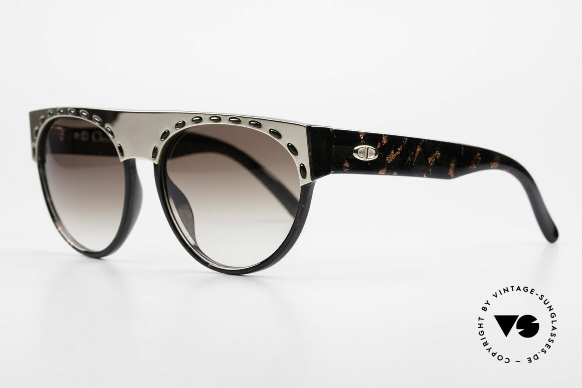 Christian Dior 2437 Ladies Sunglasses 80's Vintage, frame shines aubergine & completely black on the back, Made for Women