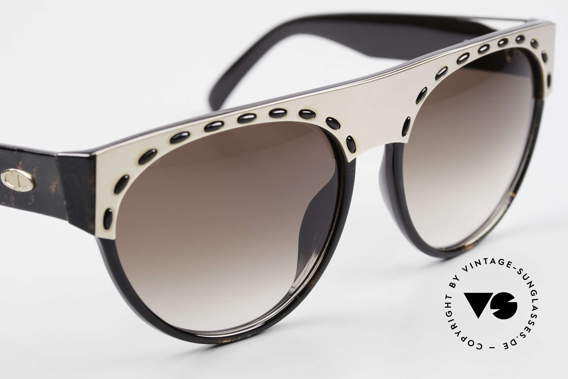 Christian Dior 2437 Ladies Sunglasses 80's Vintage, NO retro fashion; a 30 years old original, one of a kind!, Made for Women