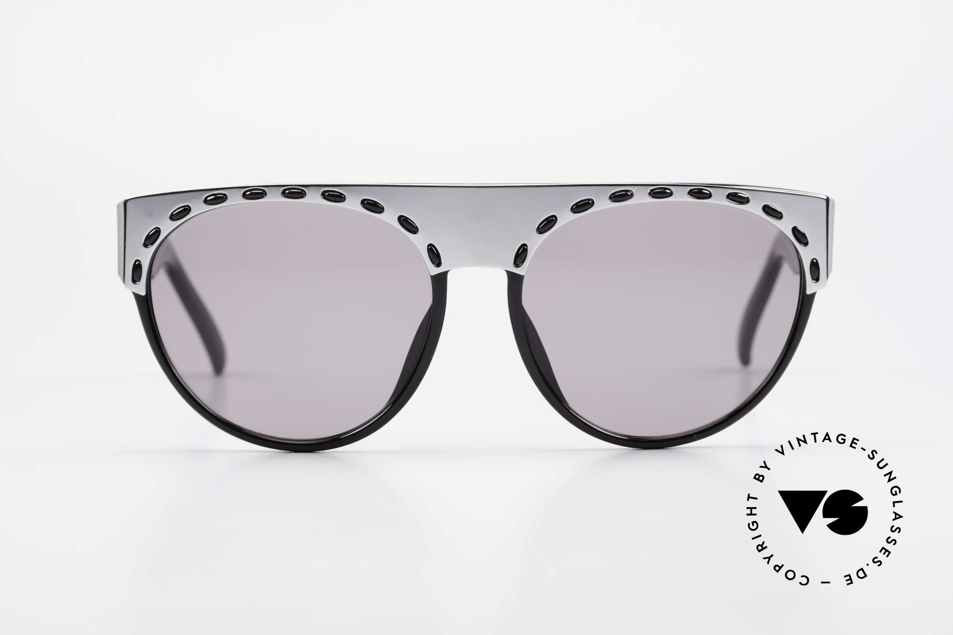 Christian Dior 2437 Ladies 80's Sunglasses Vintage, massive design (eye-catcher) in timeless classic black, Made for Women