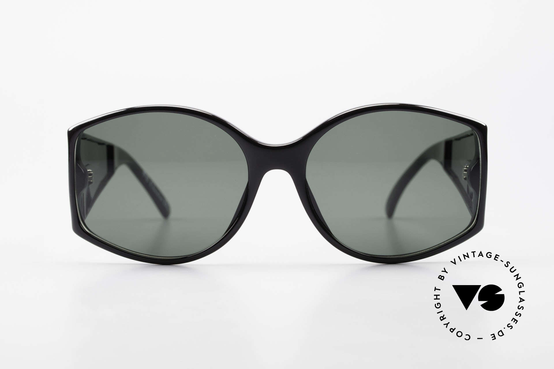 Christian Dior 2435 80's Designer Sunglasses Ladies, synthetic Optyl frame with ostentatious temples, Made for Women