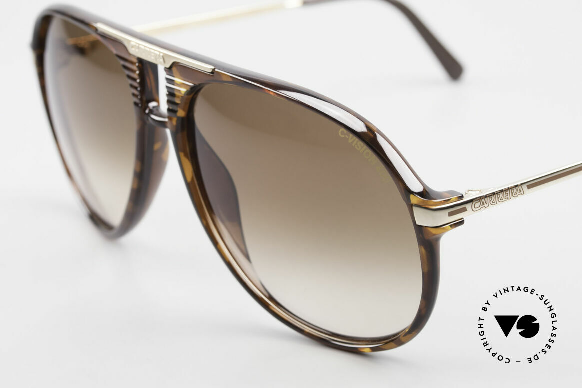 Carrera 5595 80's Shades With Extra Lenses, 2 sets of lenses: 1x brown-gradient & 1x mirrored, Made for Men