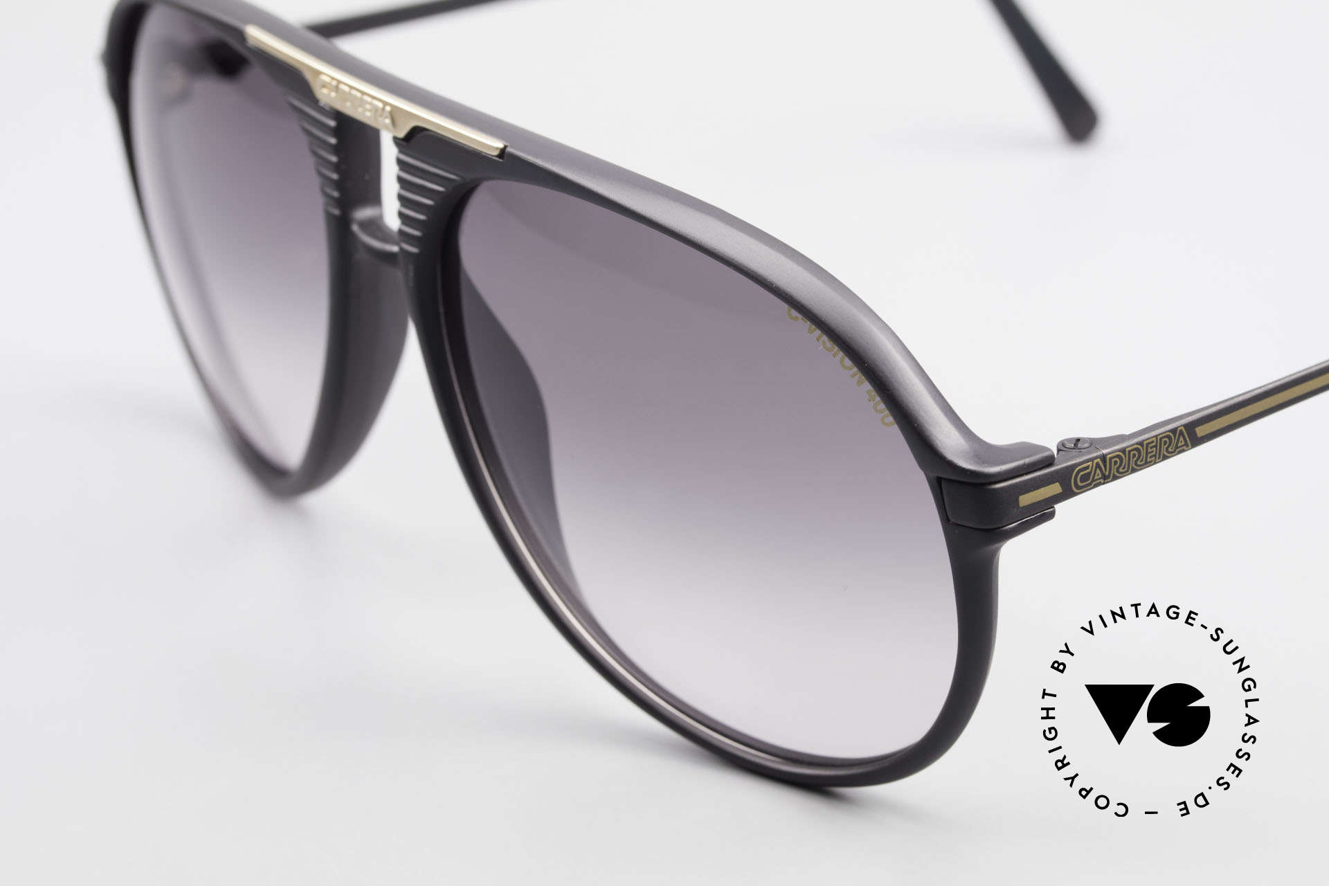Carrera 5595 80's Shades Extra Sun Lenses, 2 sets of lenses: 1x gray-gradient & 1x mirrored, Made for Men