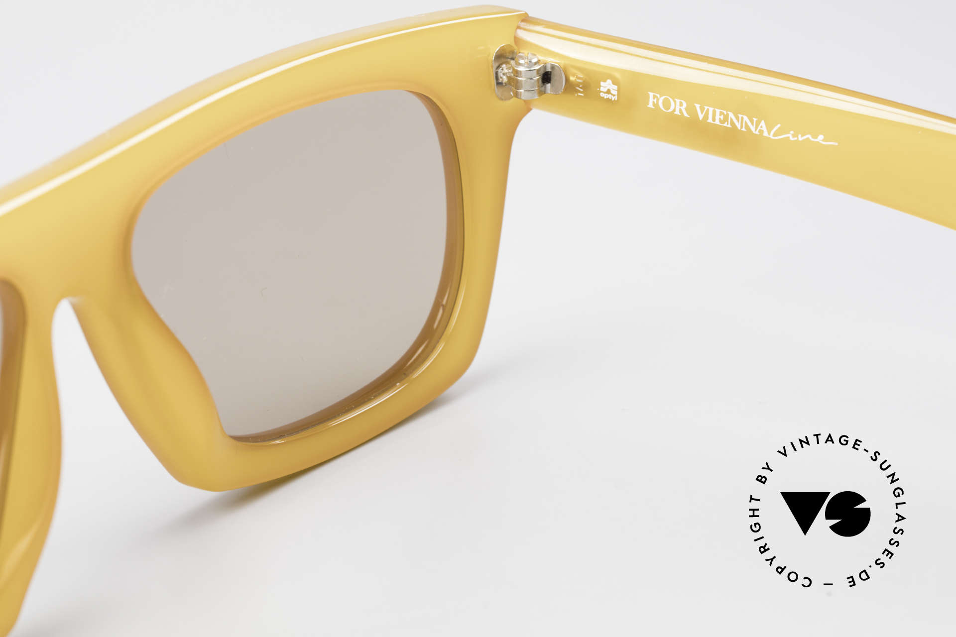 Paloma Picasso 1460 1990's Viennaline Collection, sun lenses (100% UV) and with original Picasso case, Made for Men and Women