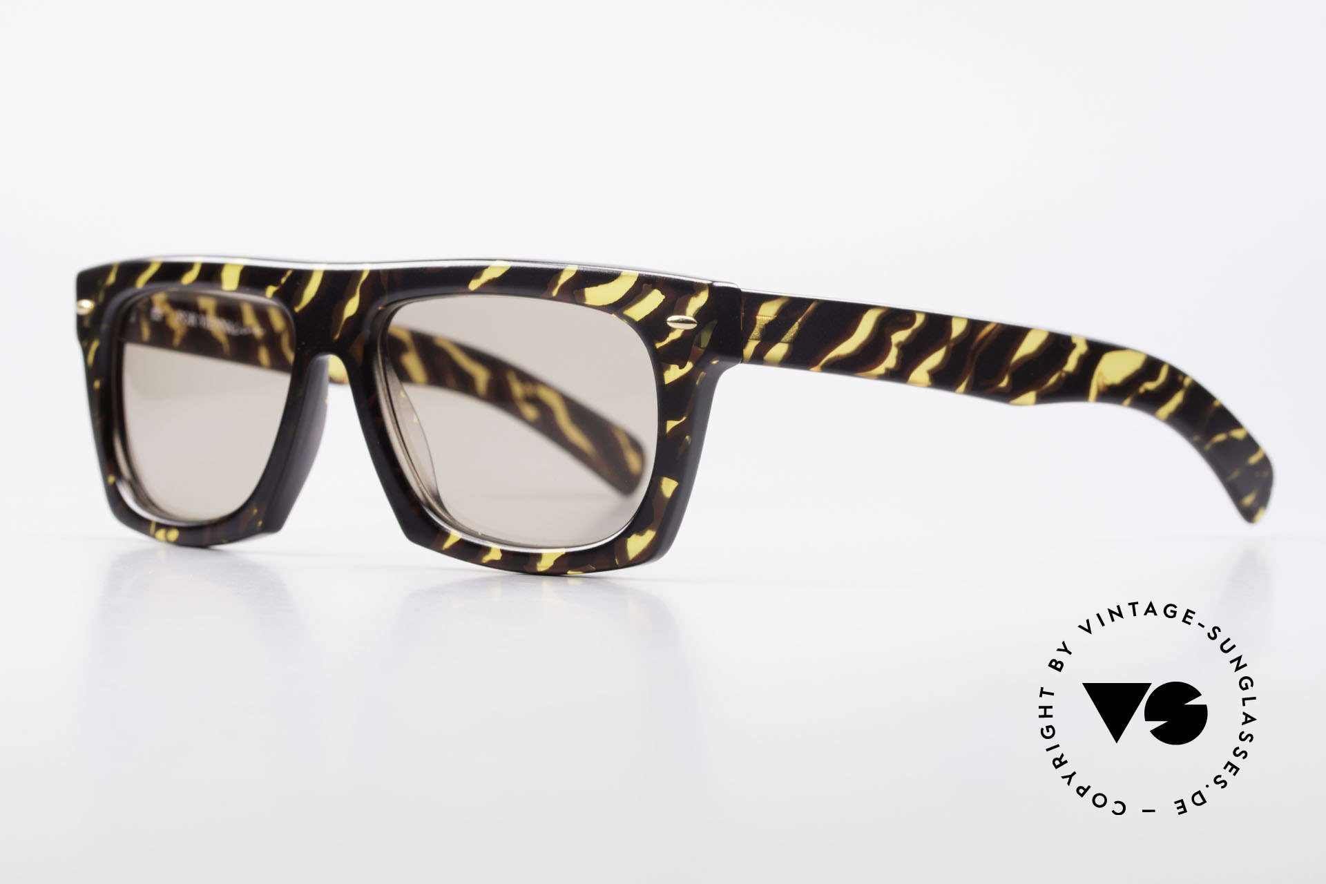 Paloma Picasso 1460 No Retro Shades 90's Original, striking 90's frame in cooperation with ViennaLine, Made for Men and Women