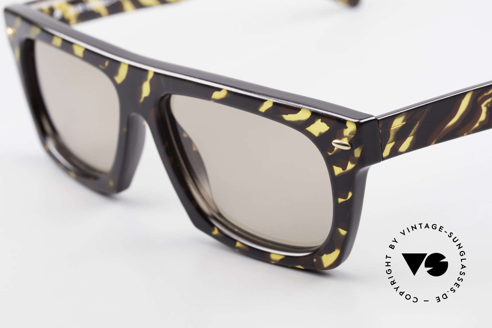 Paloma Picasso 1460 No Retro Shades 90's Original, the incredible Optyl material does not seem to age, Made for Men and Women