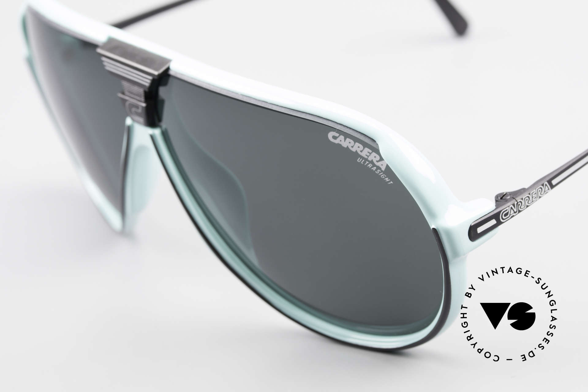 Carrera 5593 80's Sports Sunglasses Aviator, a symbiosis of sport and fashionable lifestyle!, Made for Men