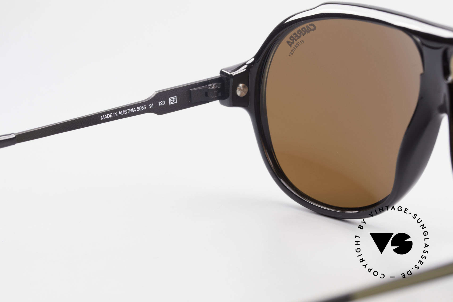 Carrera 5565 Old Vintage Sunglasses 1980's, unique frame pattern: black/white with LATTICE EFFECT, Made for Men and Women