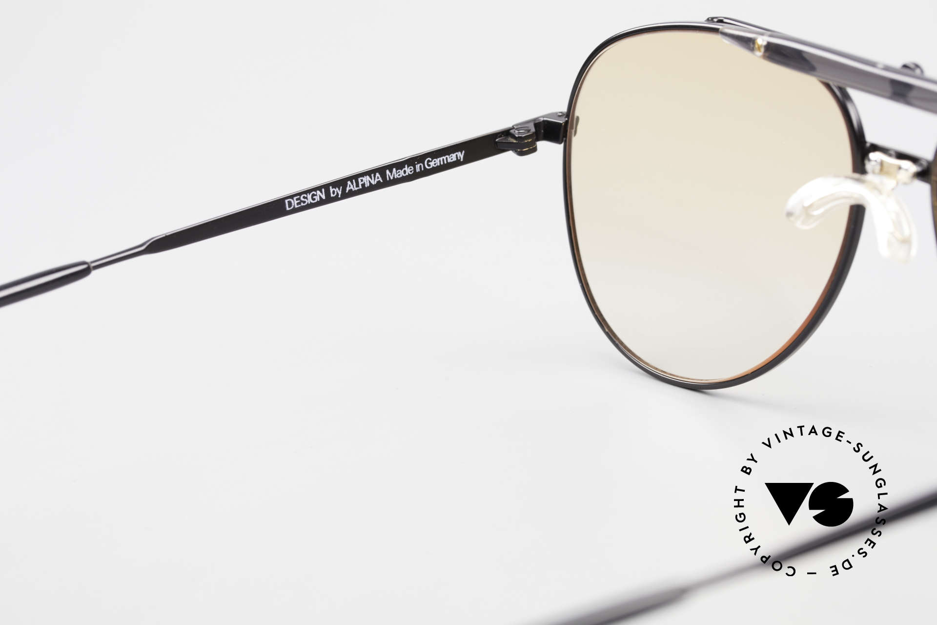Alpina PCF 250 Sporty 90's Aviator Sunglasses, the frame can be glazed with lenses of any kind, Made for Men