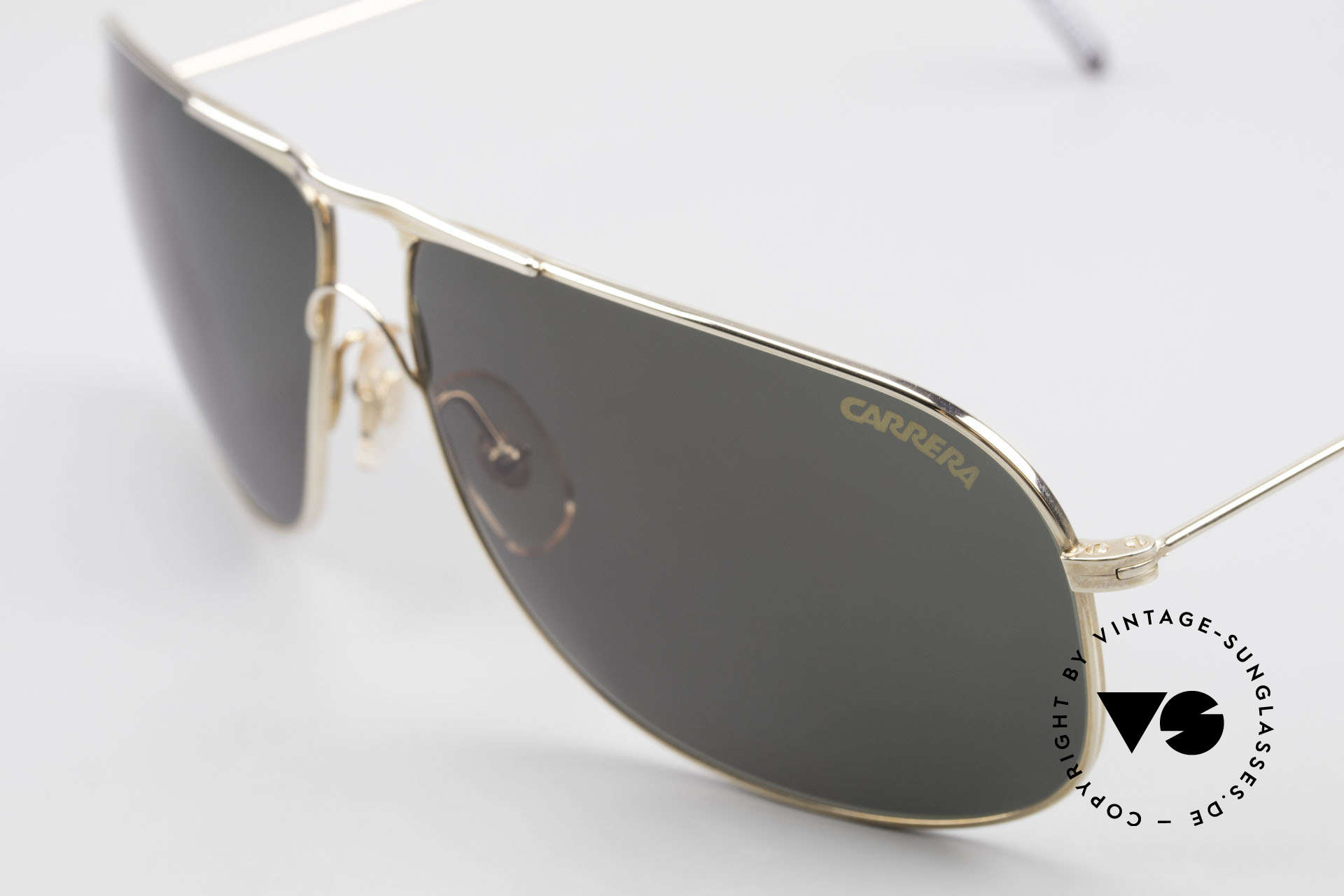 Carrera 5422 Shades With 3 Sets of Lenses, 1x brown-gradient, 1x gray-gradient and 1x green-solid, Made for Men