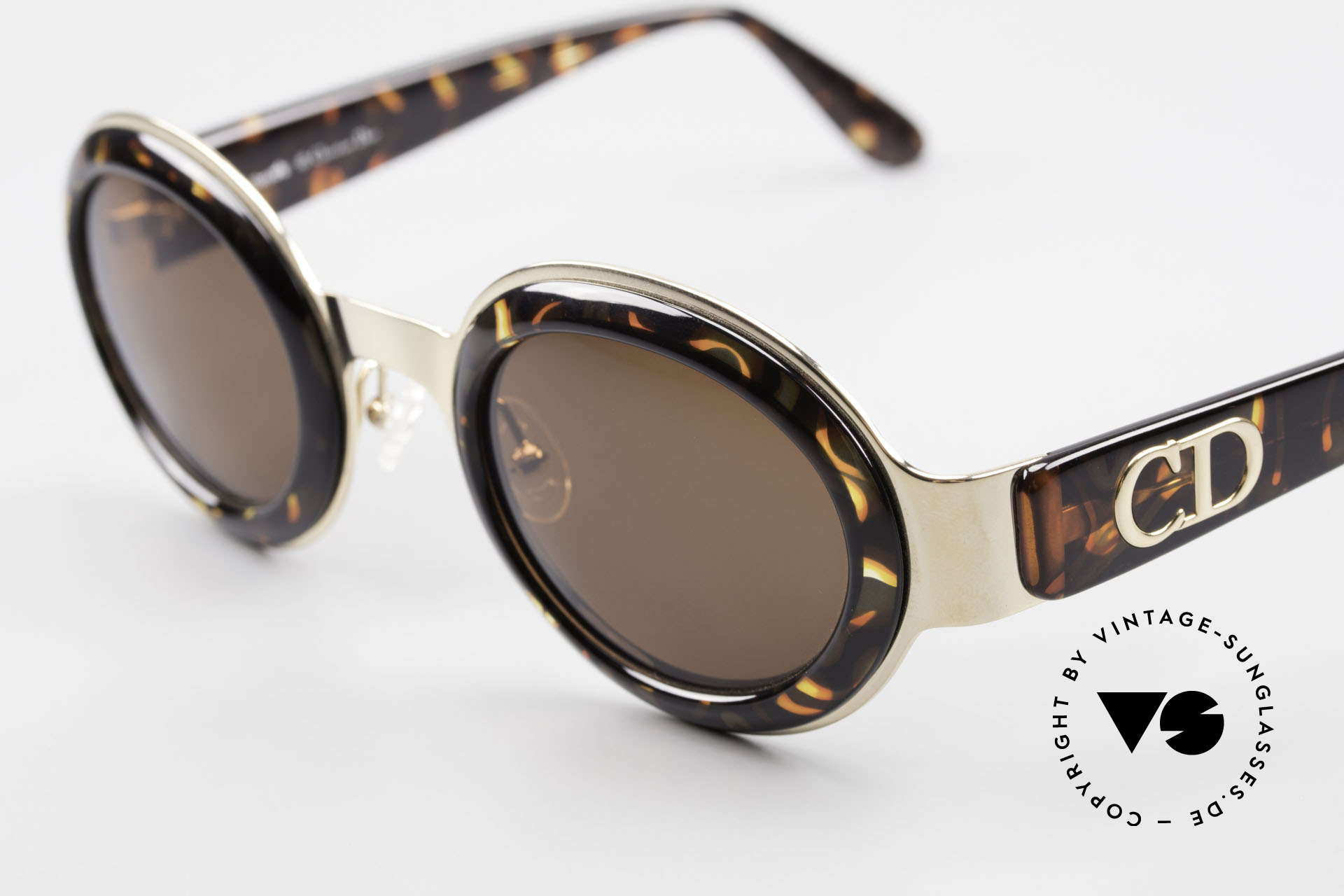 Christian Dior 2037 Round Ladies Sunglasses 90's, unworn, flawless condition (like all our CD shades), Made for Women