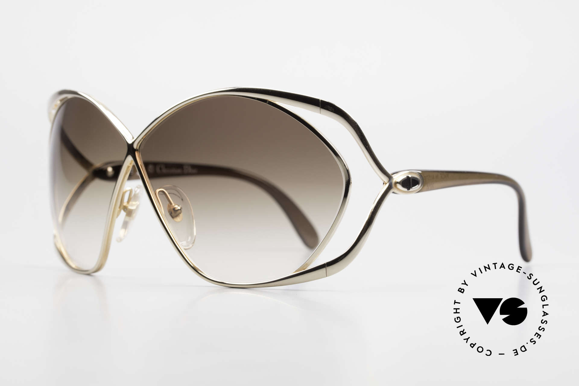 Christian Dior 2056 Butterfly 80's Sunglasses, famous 'butterfly-design' with huge gradient lenses, Made for Women