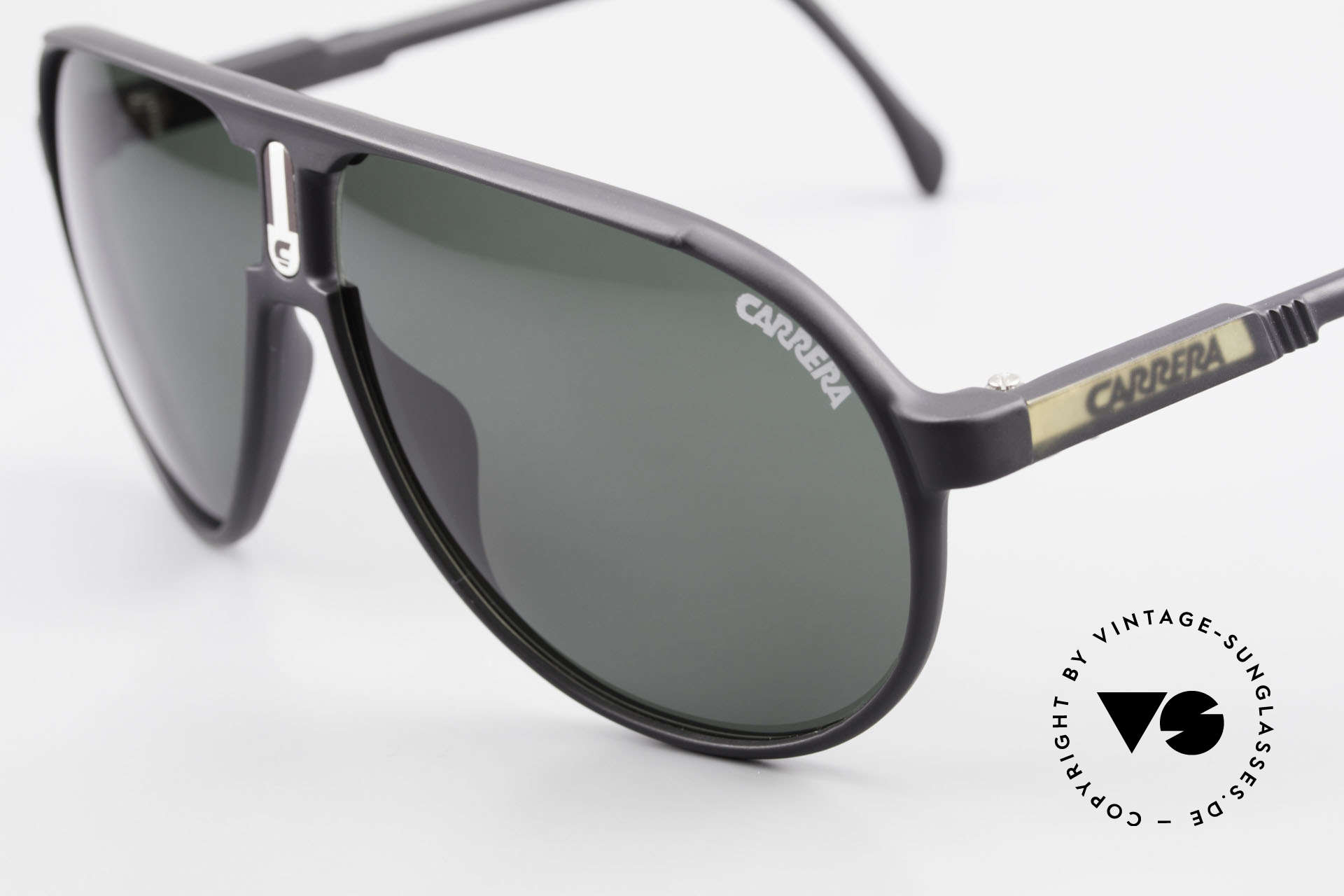 Carrera 5407 80's Sports Pilot's Sunglasses, built to last and made for many sport activities!, Made for Men