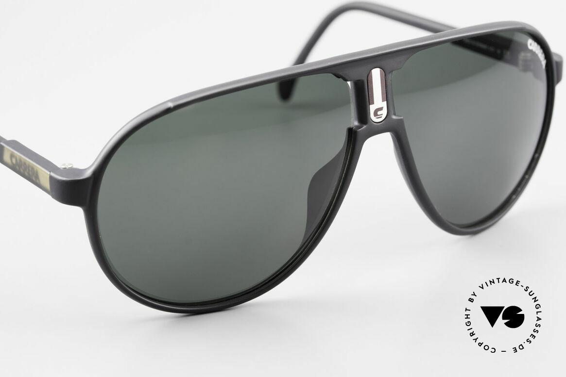 Carrera 5407 80's Sports Pilot's Sunglasses, green Carrera sun lenses (for 100% UV protection), Made for Men