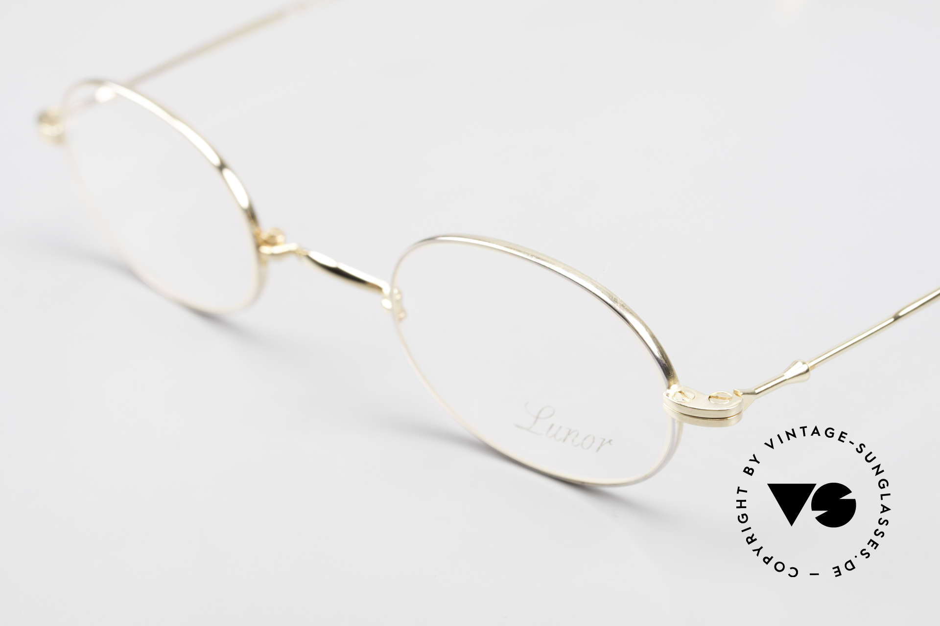 Lunor XXV Folding 04 Oval Foldable Frame Gold Plated, it's the oval folding model of the XXV-series, gold-plated, Made for Men and Women